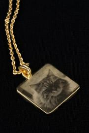 GOLD PLATED SQUARE PENDANT